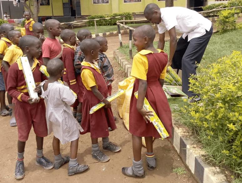 Www sitio de citas en uganda